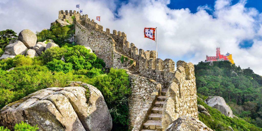 Fátima and Surrounding Monasteries – Find Lisbon